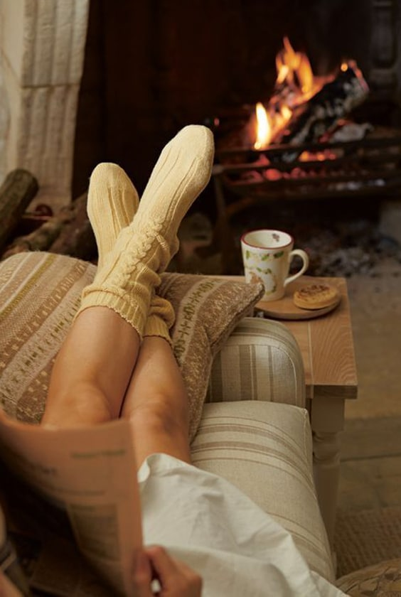 hygge cheminée pantoufle
