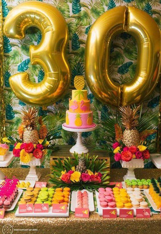déco d'anniversaire ananas