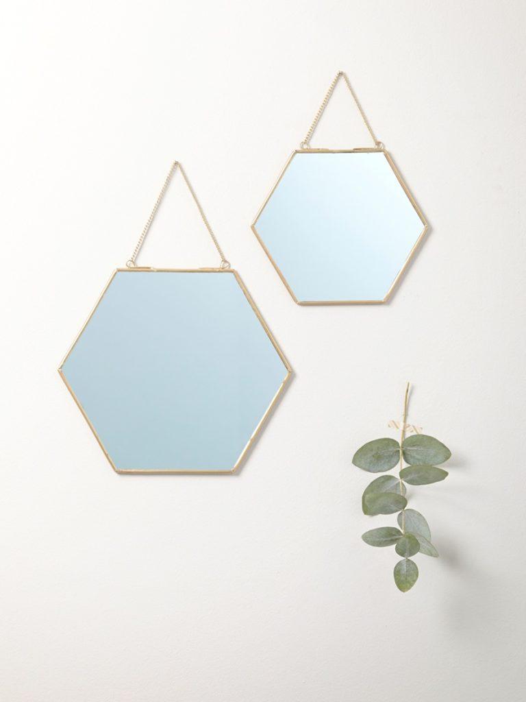 miroir hexagonaux dorés