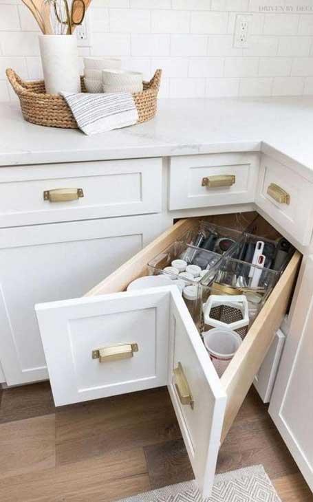 tiroirs petite cuisine