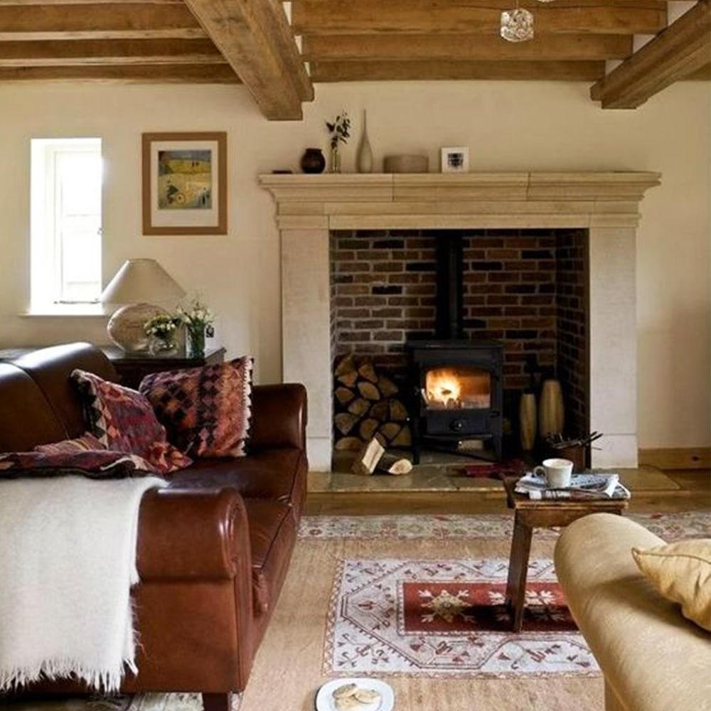 poele à bois dans cheminée