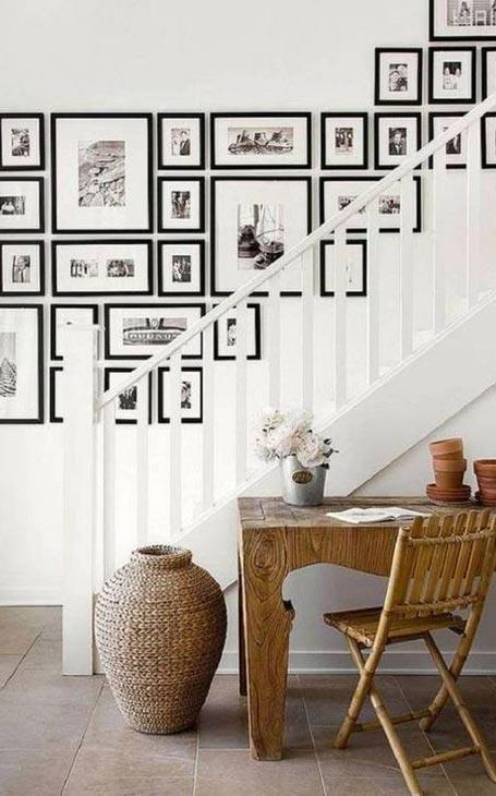 déco cadres mur escalier