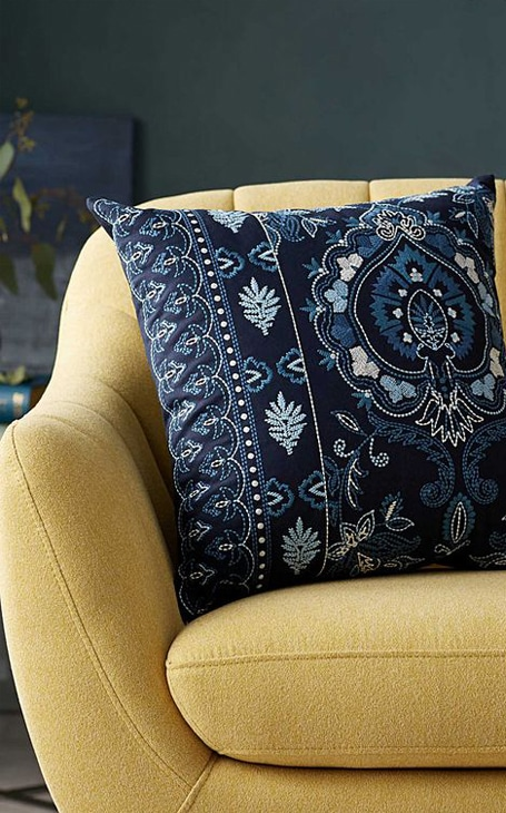 coussin bleu motifs