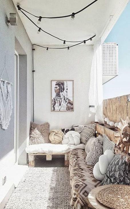 aménagement balcon cosy