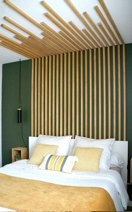 Chambre tête de lit tasseaux de bois