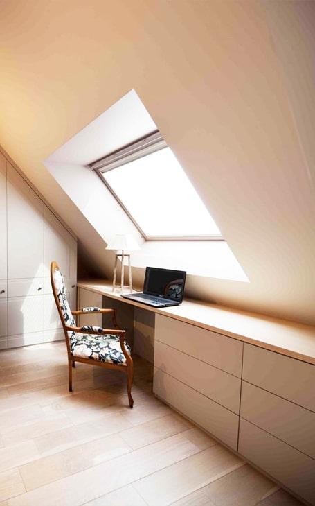 bureau sous toit