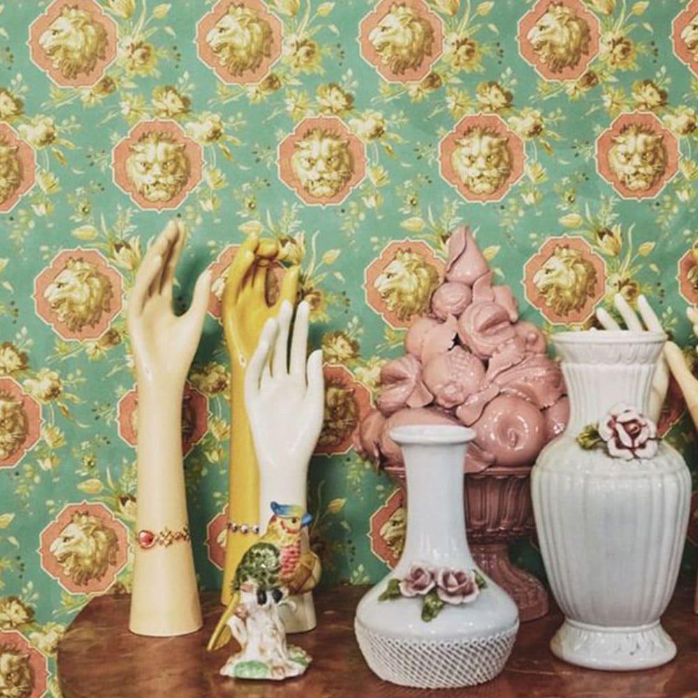mains vintage