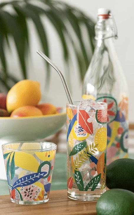 verres colorés table jardin