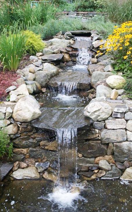 cascade en pierres naturelles