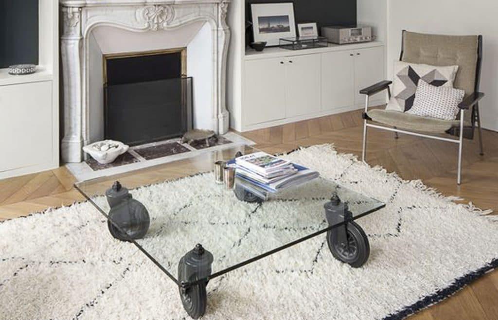 table industrielle appartement haussmannien