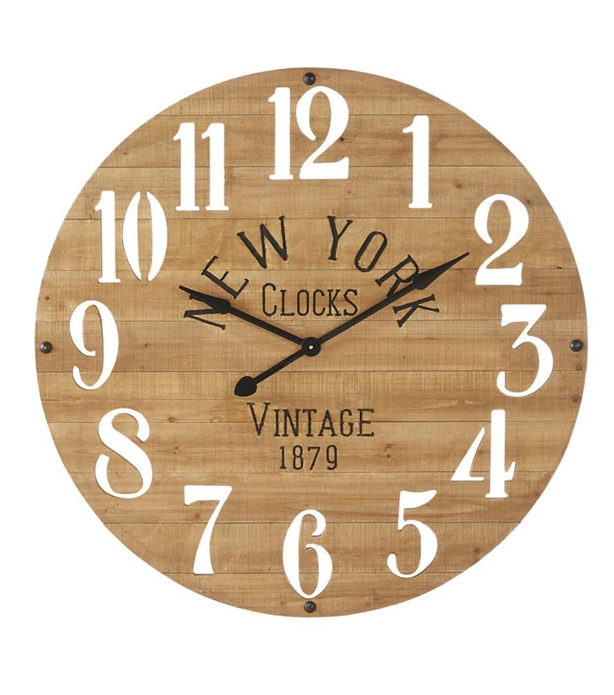 Horloge en sapin chiffres ajourés